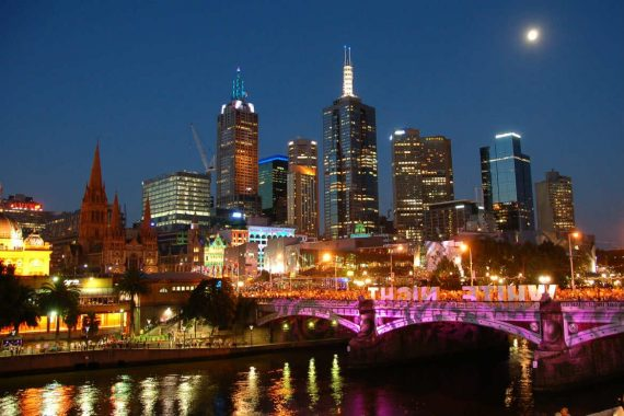 Melbourne At Night 1170x779