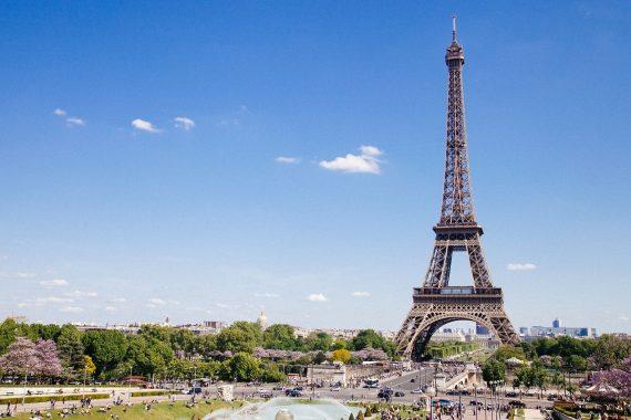 Eiffel Tower 768501 1280
